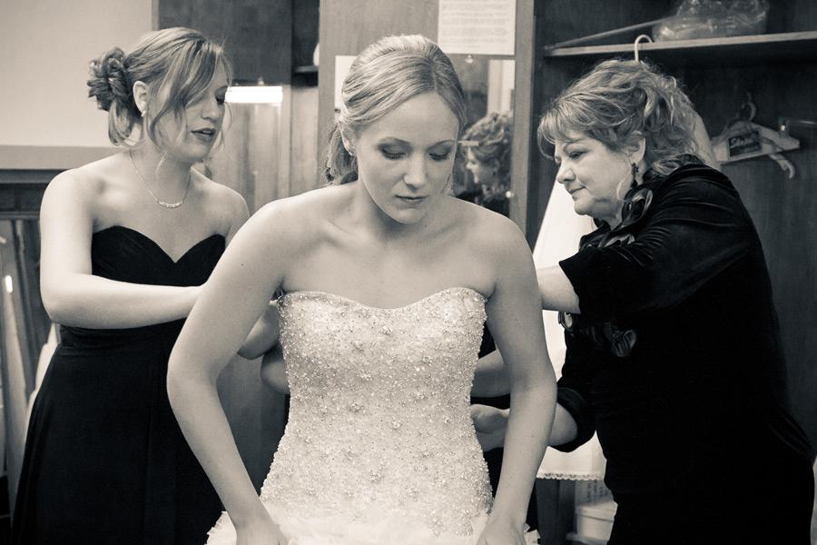 eugene-wedding-004 Oregon Wedding Photographer | Ebbert Memorial | Lewis & Clark | Amanda & Daniel