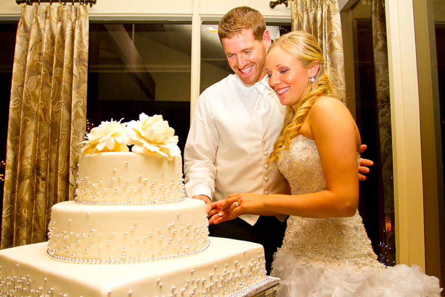 eugene-wedding-065 Oregon Wedding Photographer | Ebbert Memorial | Lewis & Clark | Amanda & Daniel
