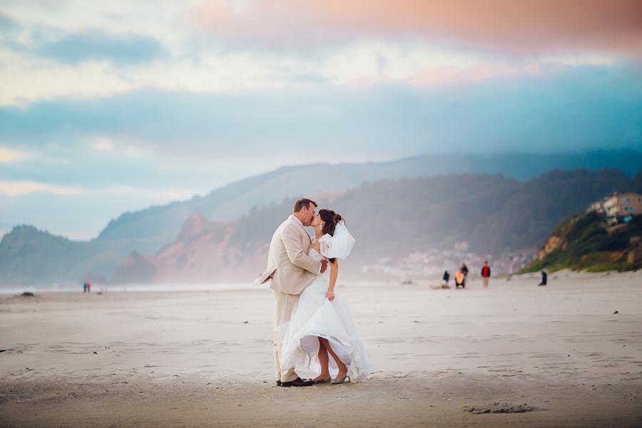 Oregon Coast Wedding Photographers   Coast Specific Portfolio Site
