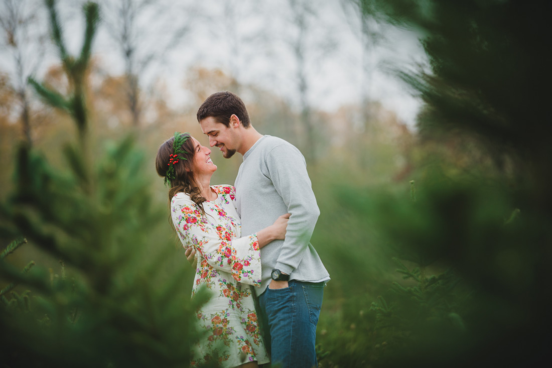 Oregon Engagement Pictures   Northern Lights Christmas Tree Farm   Jessica & Zach