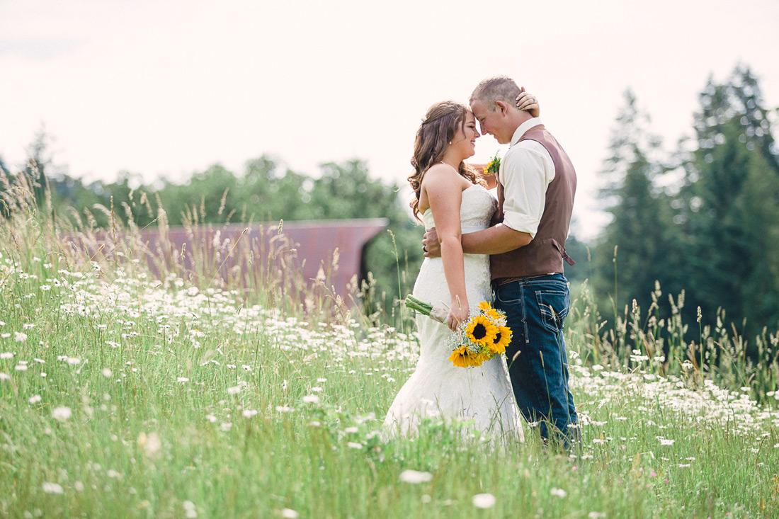 Blue Rooster Inn Bed & Breakfast Wedding | Eugene Oregon | Amanda & Ross