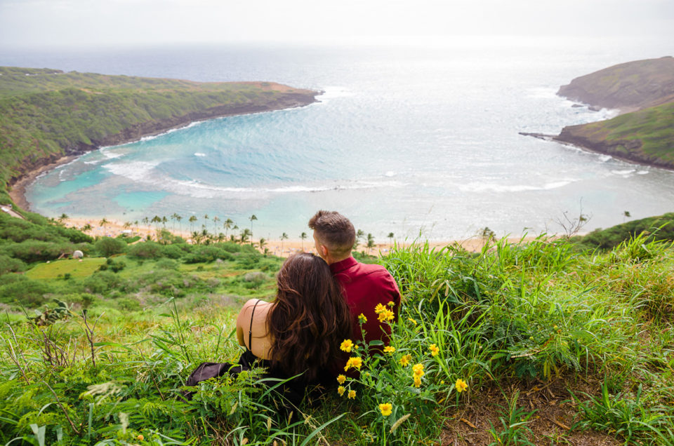 Spitting Cave & Hanauma Bay Rim Trail Engagement Photos | Stephanie & Michael