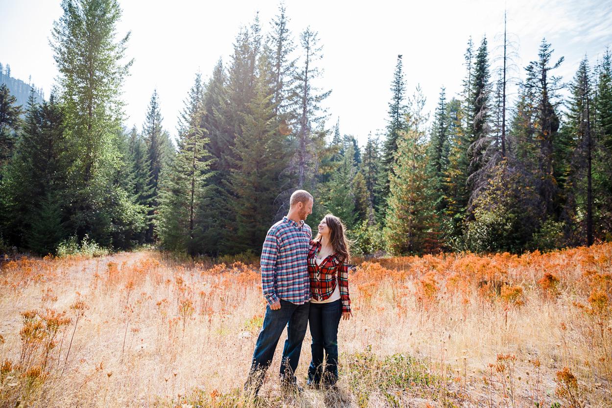oregon-engagement-003 Oregon Engagement Session | Diamond Peak Wilderness | Julia & Jonathan