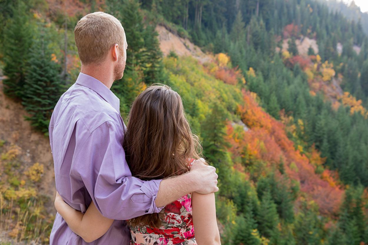 oregon-engagement-008 Oregon Engagement Session | Diamond Peak Wilderness | Julia & Jonathan
