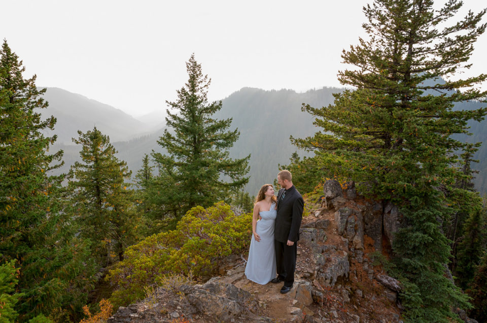 Oregon Engagement Session | Diamond Peak Wilderness | Julia & Jonathan