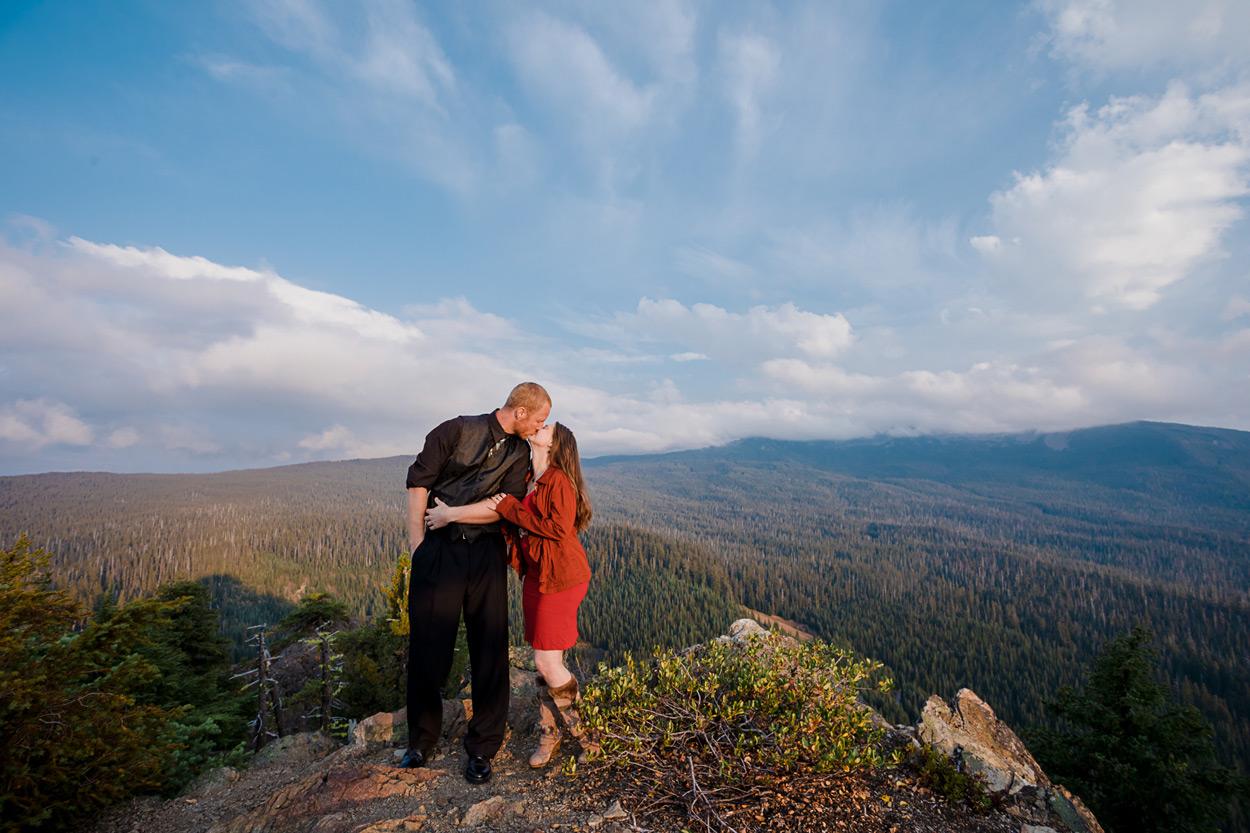 oregon-engagement-017 Oregon Engagement Session | Diamond Peak Wilderness | Julia & Jonathan
