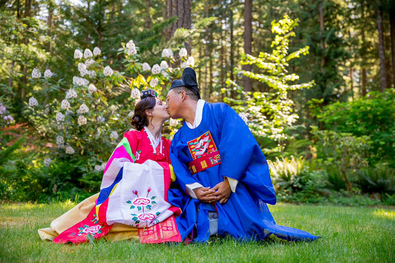 loloma-lodge-oregon-wedding-21 Loloma Lodge Oregon Wedding | Anna & Justin | Traditional Korean Tea Ceremony