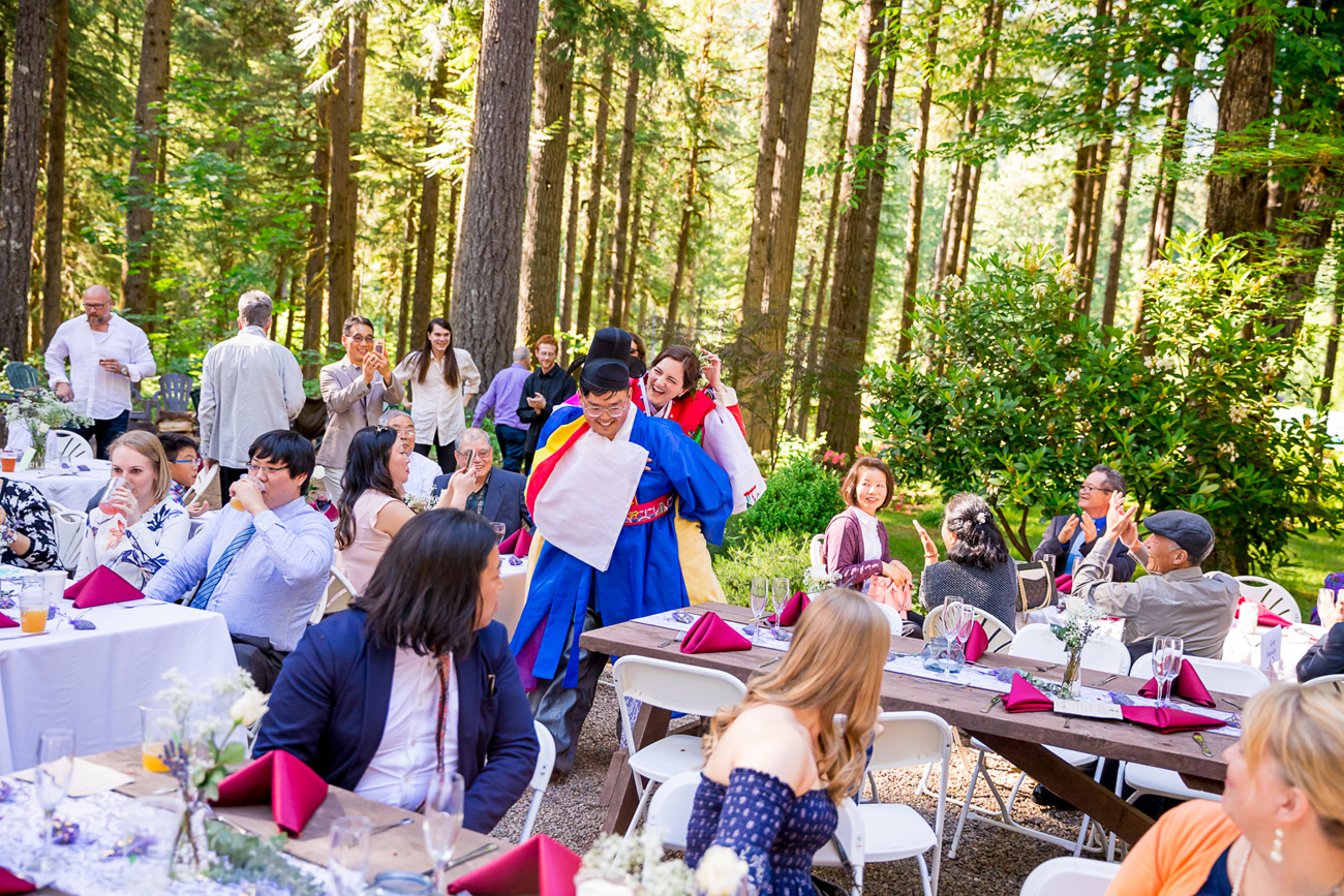 loloma-lodge-oregon-wedding-23 Loloma Lodge Oregon Wedding | Anna & Justin | Traditional Korean Tea Ceremony