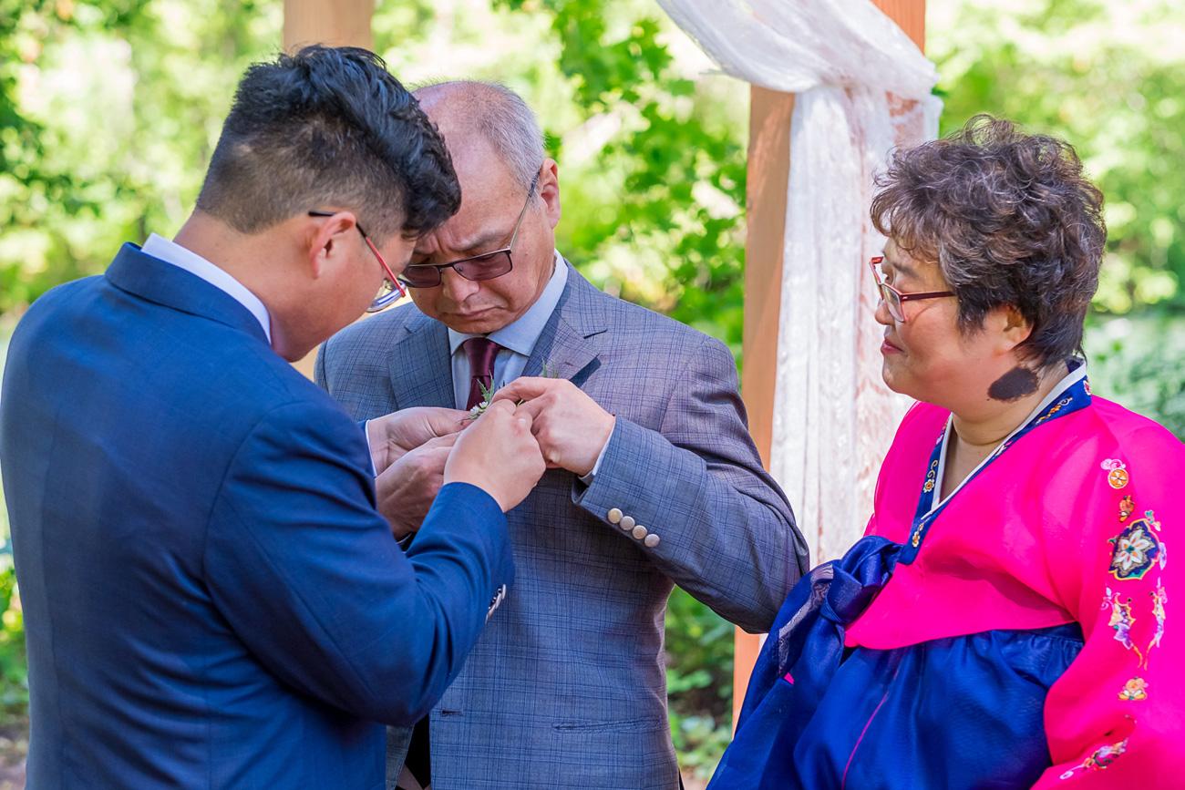 loloma-lodge-oregon-wedding-50 Loloma Lodge Oregon Wedding | Anna & Justin | Traditional Korean Tea Ceremony