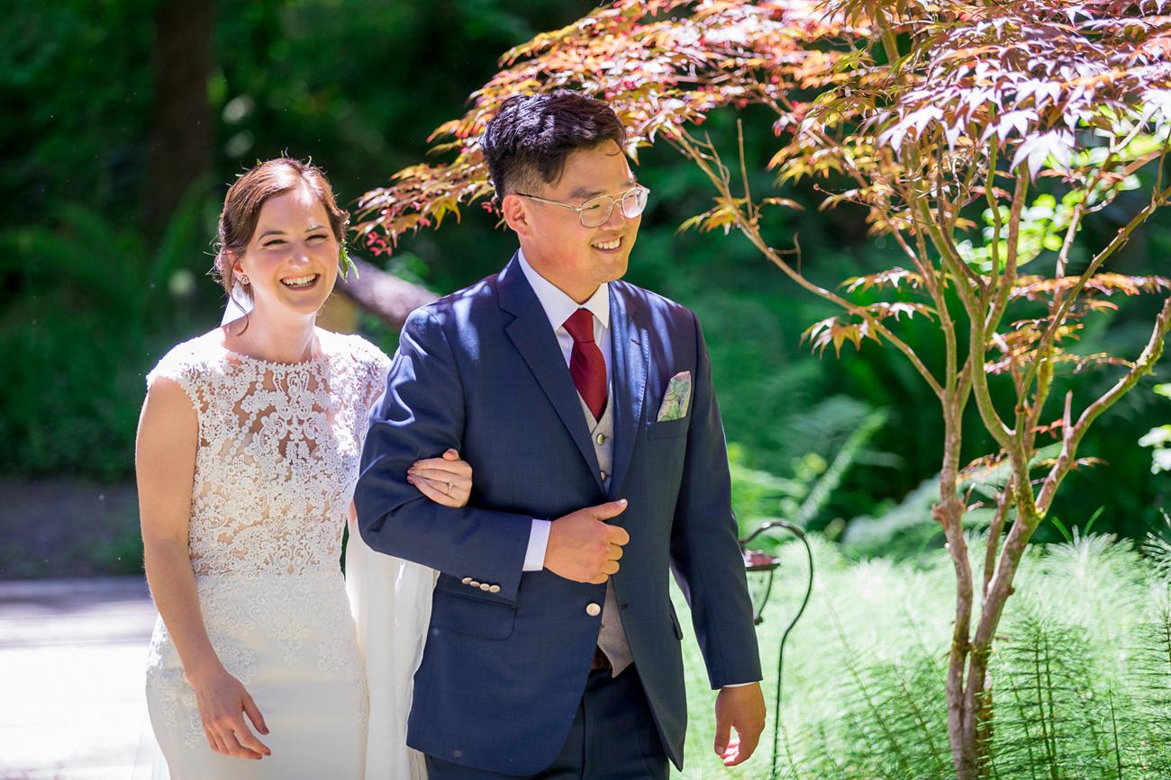 loloma-lodge-oregon-wedding-64 Loloma Lodge Oregon Wedding | Anna & Justin | Traditional Korean Tea Ceremony