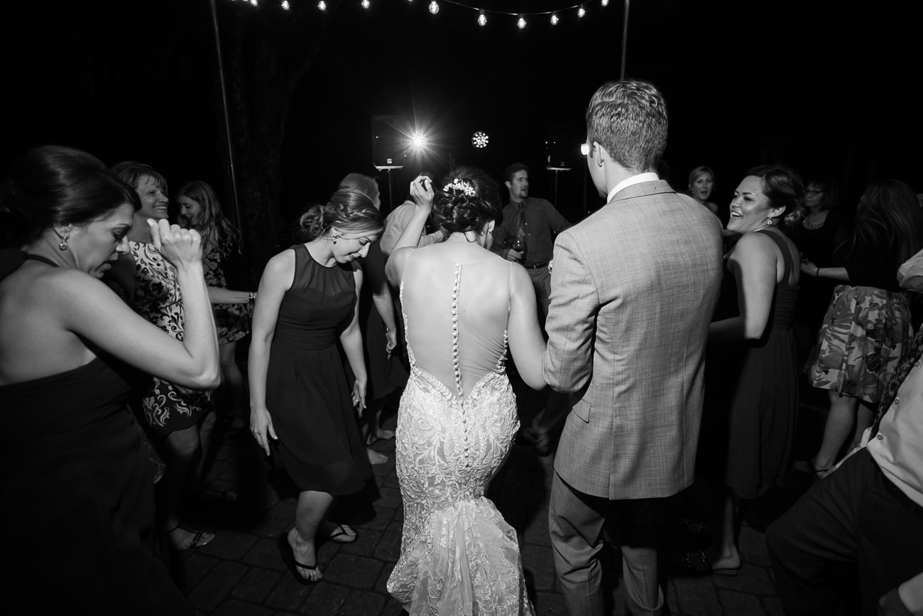 wedding-at-sweet-cheeks-winery-11 Wedding at Sweet Cheeks Winery   Eugene Oregon Photography   Emily & Bradley